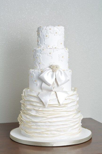 austin wedding cakes simon lee bakery austin texas grooms cakes austin birthday cakes. Black Bedroom Furniture Sets. Home Design Ideas